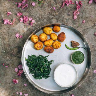 Indisches Dorf Essen mit Koriander Zitronen Chutney